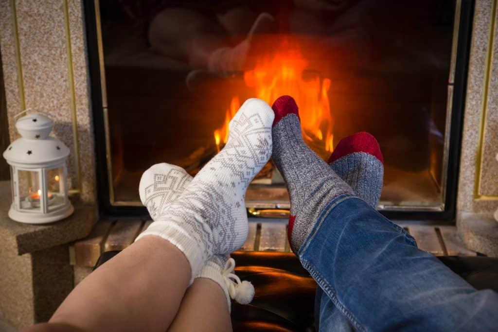 камин для уюта и тепла в доме