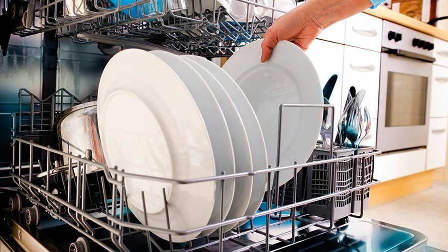 Помогает ли посудомоечная машина экономить